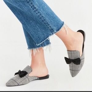 Urban Outfitters Pointed Plaid Bow Mules Size 8